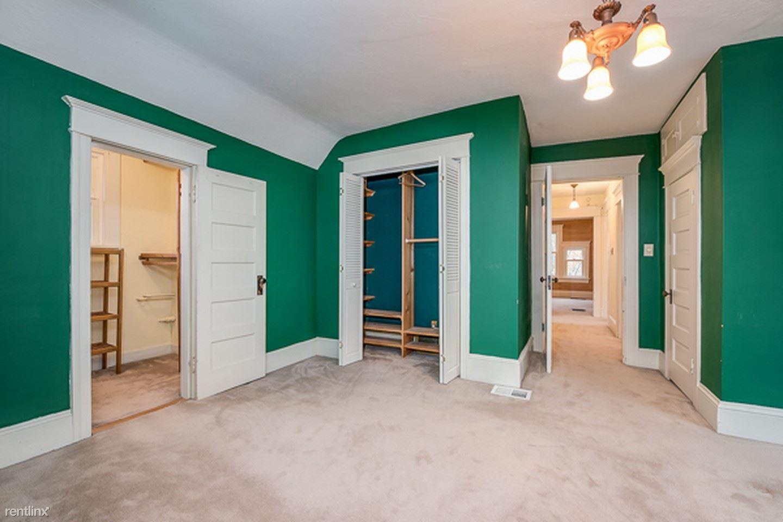 514 Federal Ave E, Seattle, WA - 985 USD/ month