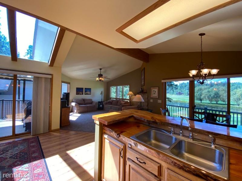 562 St Andrews Drive, Columbia Falls, MT - 3,200 USD/ month
