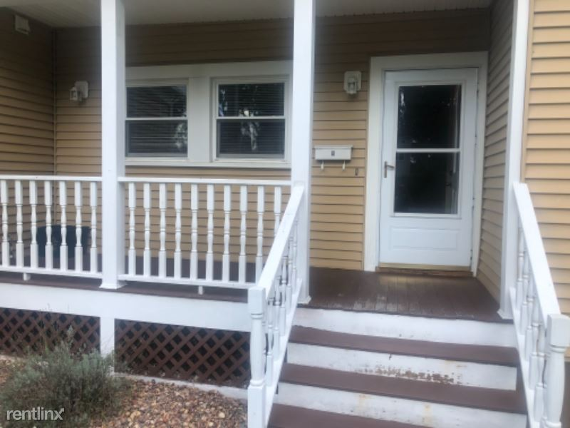 5 McHarrie St, Baldwinsville, NY - 1,150 USD/ month