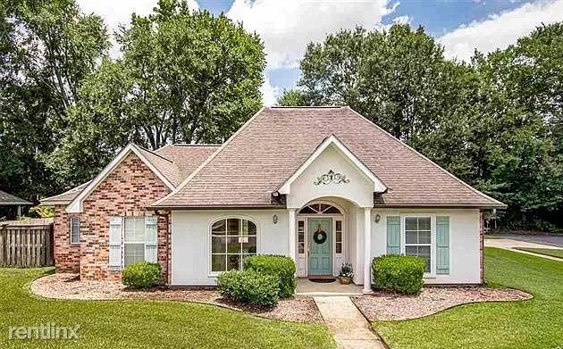 9255 Worthington Lake Ave, Baton Rouge, LA - 1,500 USD/ month