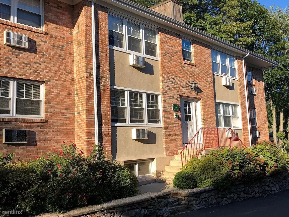 1309 Hope St, Stamford, CT - 1,700 USD/ month