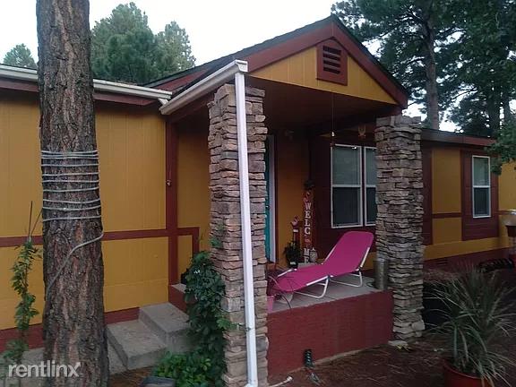 1517 S Burlington St,, Flagstaff, AZ - 1,700 USD/ month