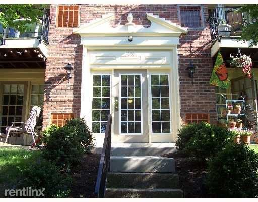 1050 Eve Dr, Pittsburgh, PA - 1,495 USD/ month