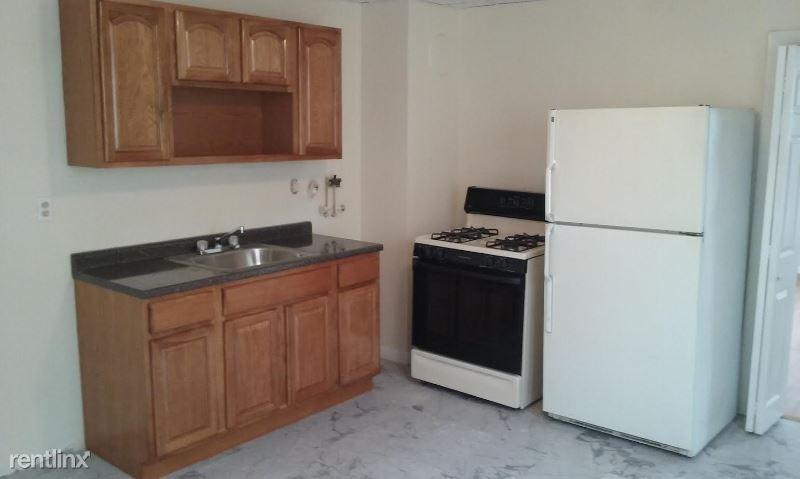 186 Collins St, Hartford, CT - 875 USD/ month