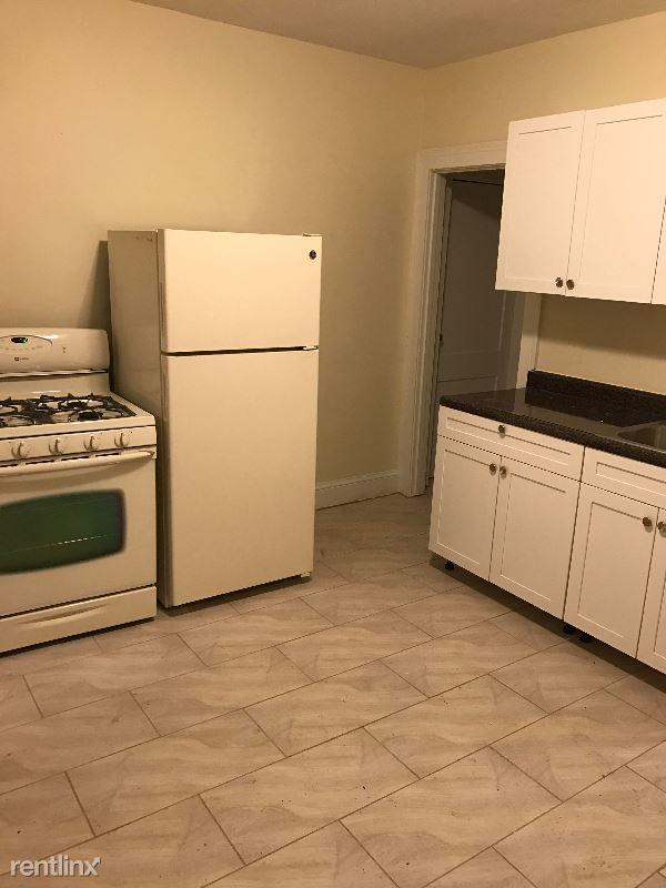 99 Huntington St, Hartford, CT - 875 USD/ month