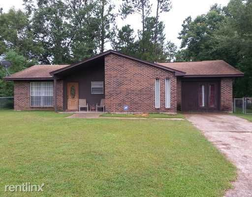 713 Shirley Dr - 995USD / month