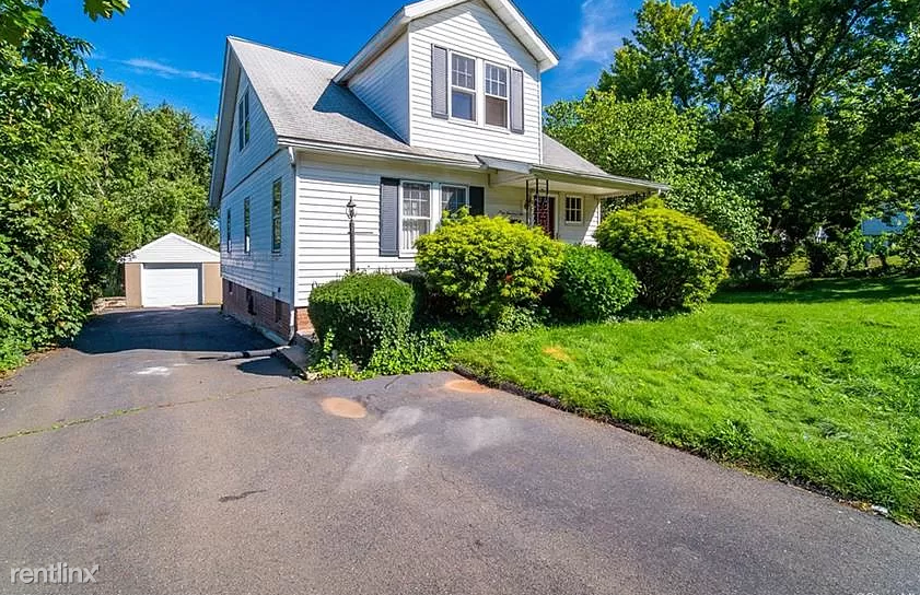 102 Dix Ave, New Britain, CT - 1,350 USD/ month