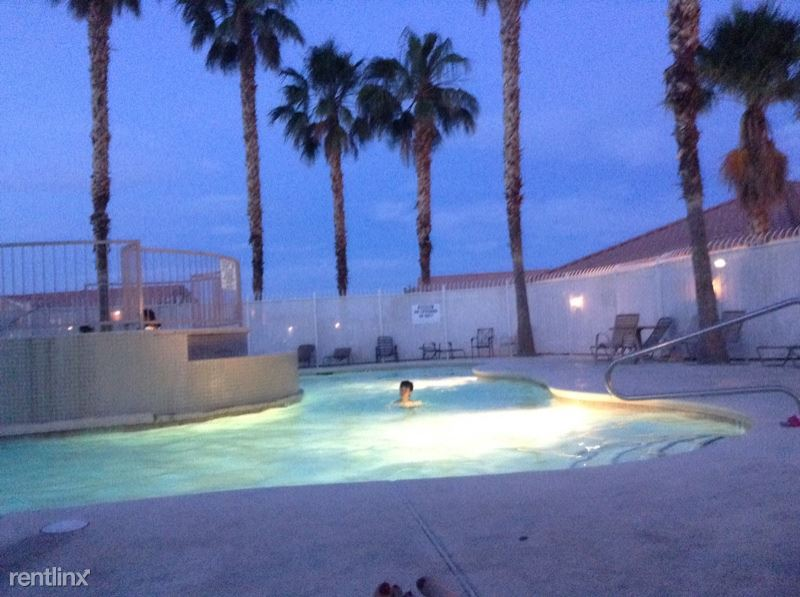 3318 N Decatur Blvd, Las Vegas, NV - 1,300 USD/ month