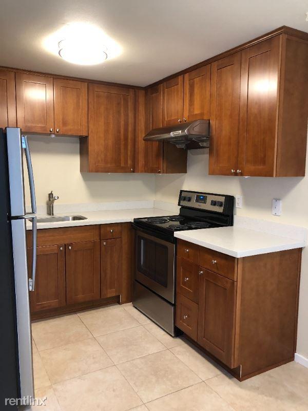 1821 14th Ave, Seattle, WA - 1,525 USD/ month