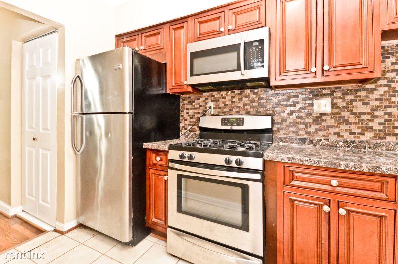 2609 Franklin ST, Washington, DC - 950 USD/ month