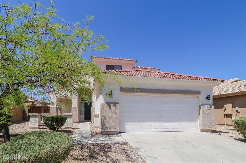 23864 Adams Street, Buckeye, AZ - 2,290 USD/ month