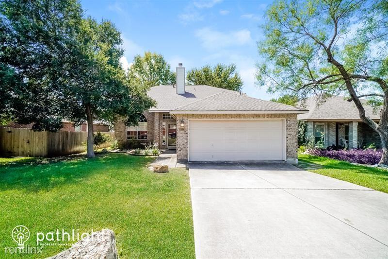 6026 Elk Valley, San Antonio, TX - 2,245 USD/ month