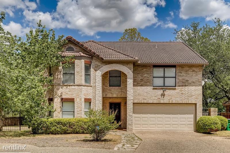 3919 Creek Forest, San Antonio, TX - 3,445 USD/ month