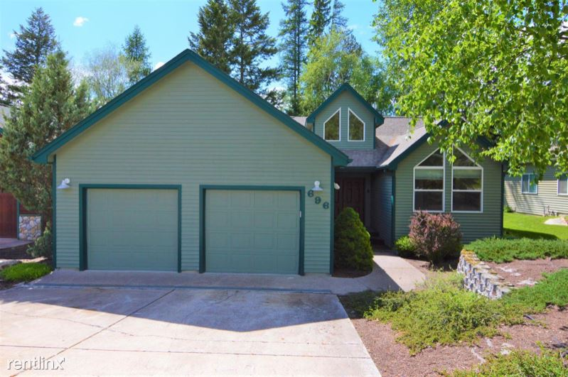 696 St Andrews Drive, Columbia Falls, MT - 3,000 USD/ month