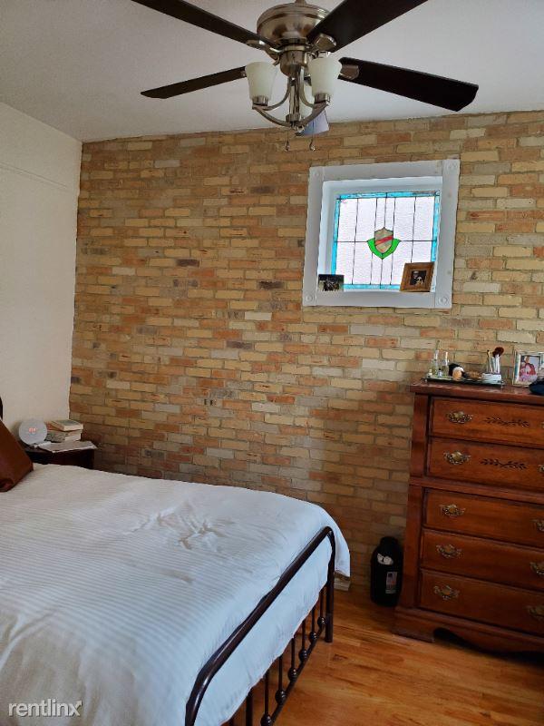 22 Lefferts Avenue, Brooklyn, NY - 2,579 USD/ month
