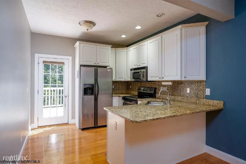 Villa View Dr, Morgantown, WV - 1,950 USD/ month