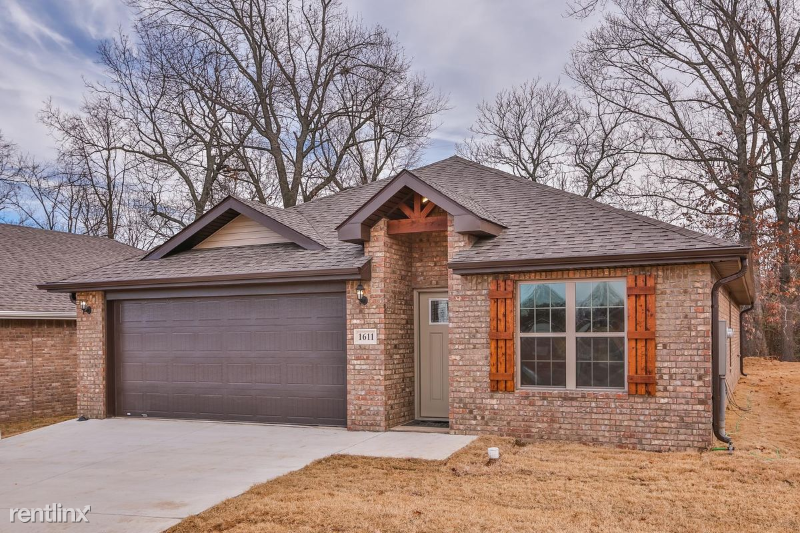 6102 NW Silas ST,, Bentonville, AR - 1,595 USD/ month