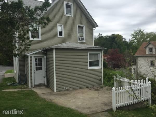 118 Knollwood Rd 2, White Plains, NY - 2,300 USD/ month
