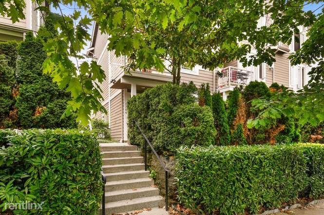 1704 14th Ave, Seattle, WA - 1,125 USD/ month