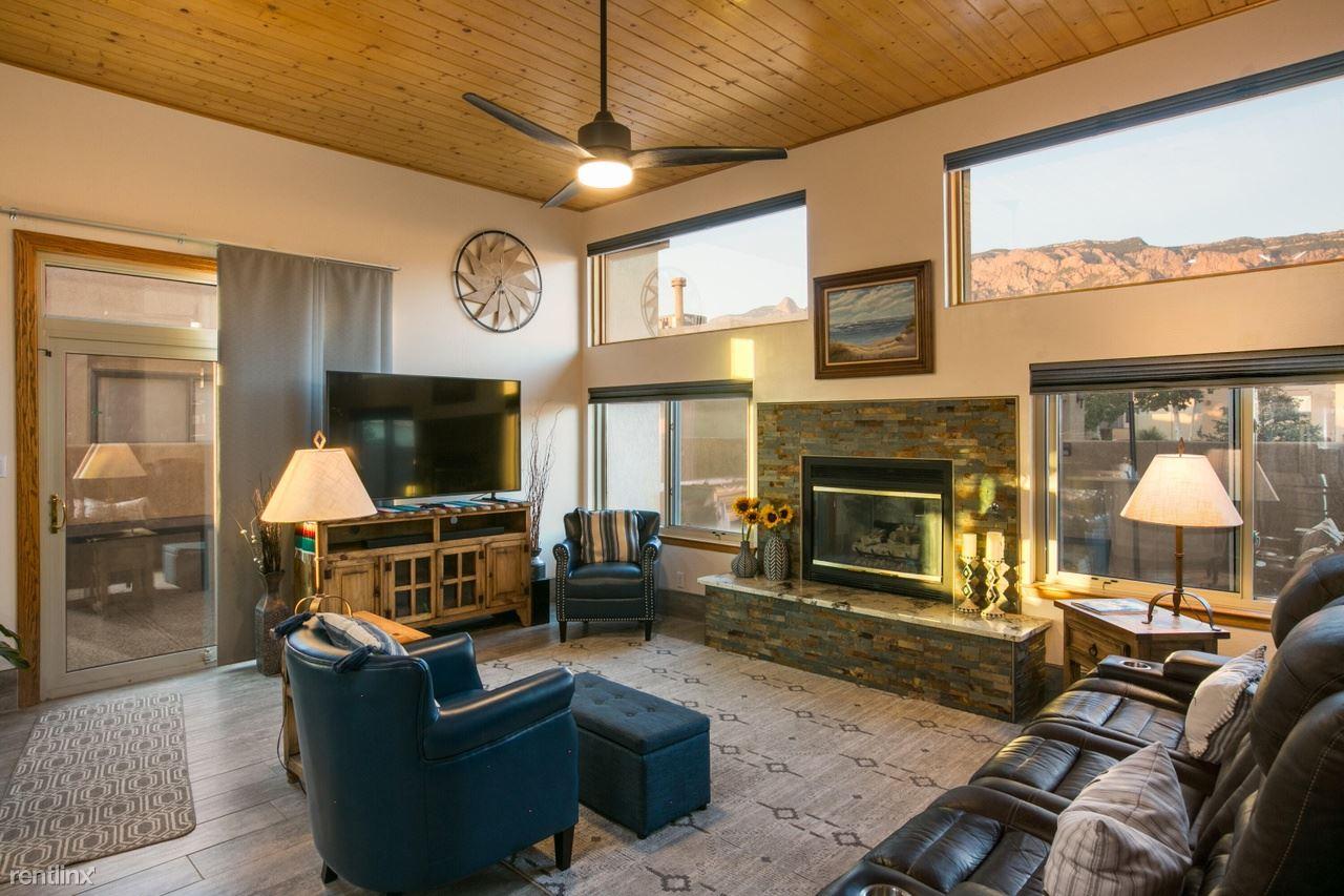 2440 Tramway Terrace Ct NE, Albuquerque, NM - 945 USD/ month