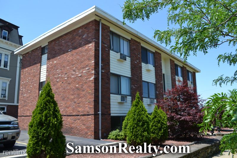 25 Waterman Ave 1, East Providence, RI - 1,100 USD/ month