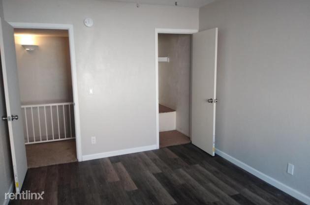 E Belleview St, Phoenix, AZ - 1,125 USD/ month