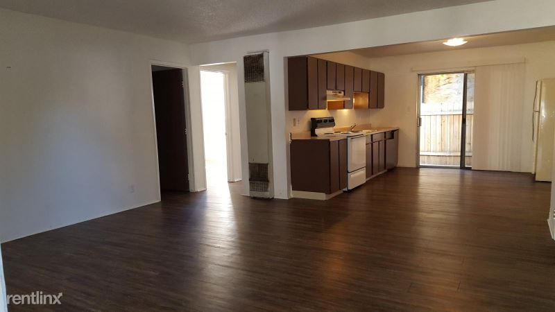 Carlos Ln, Reno, NV - 1,350 USD/ month