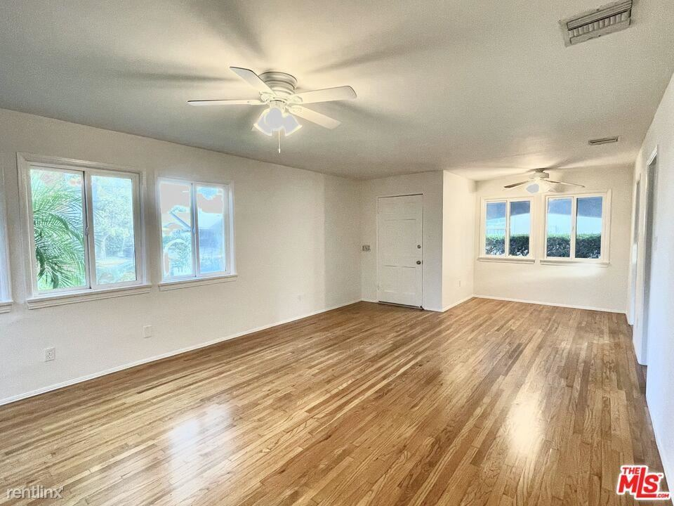 11419 Charnock Rd, Los Angeles, CA - 5,600 USD/ month