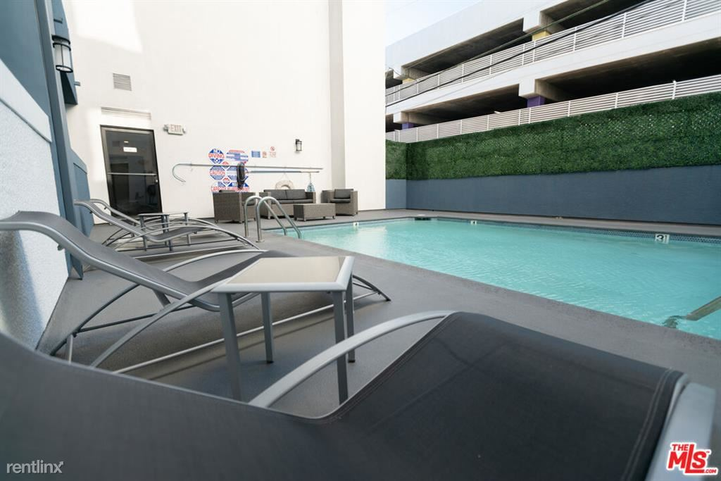 1223 Federal Ave Apt 214, Los Angeles, CA - 3,298 USD/ month