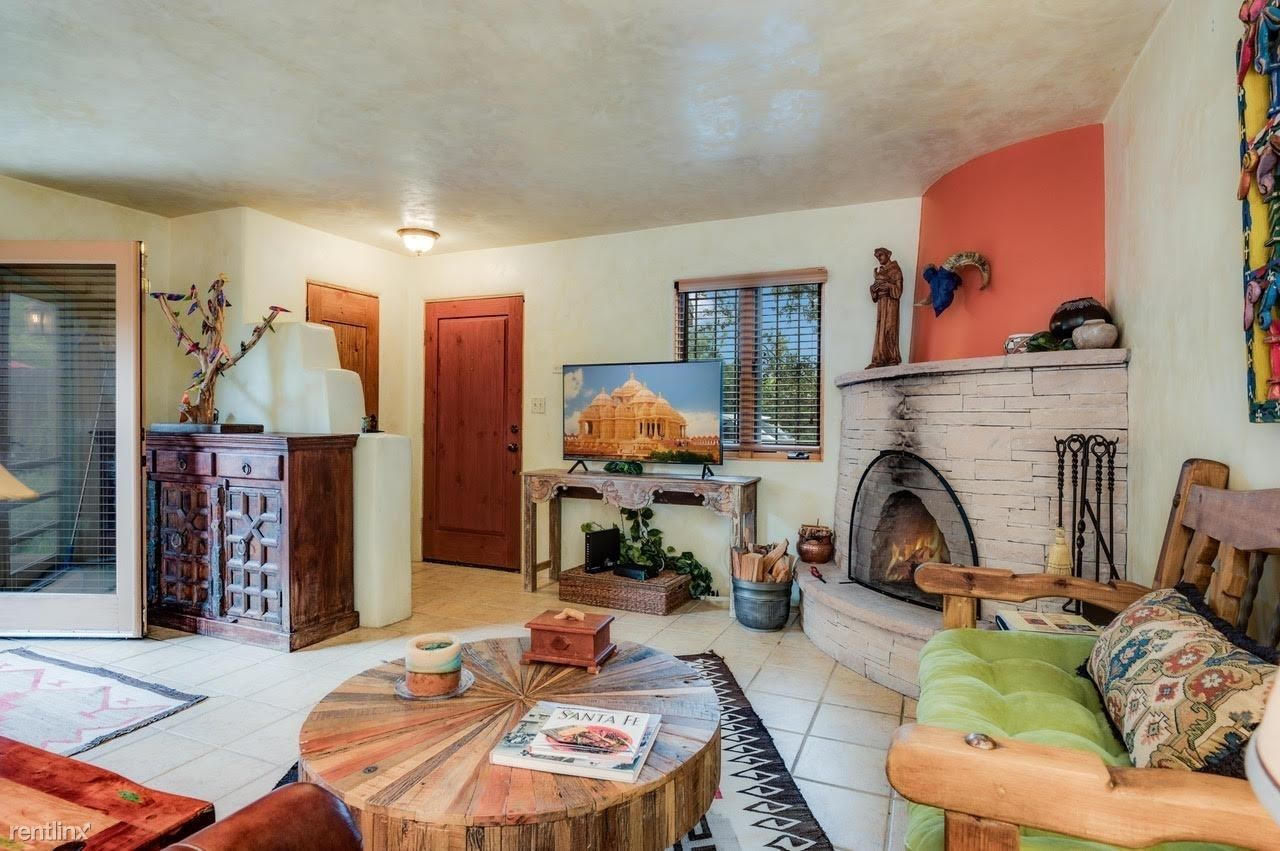 581 W San Francisco St Apt 3, Santa Fe, NM - 900 USD/ month