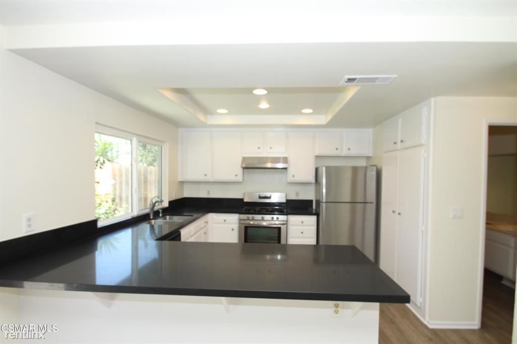 2761 Amber Wood Pl, Thousand Oaks, CA - 3,500 USD/ month