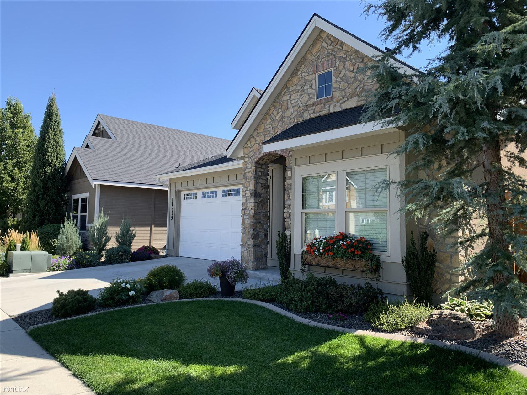 11315 West Kuhnen Drive - 2800USD / month