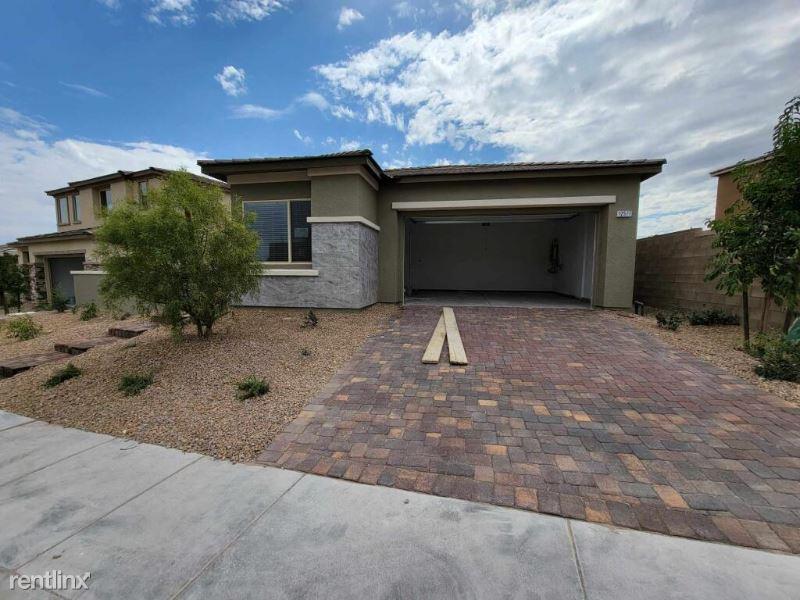 Huckleberry Oak Ave, Las Vegas, NV - 3,500 USD/ month