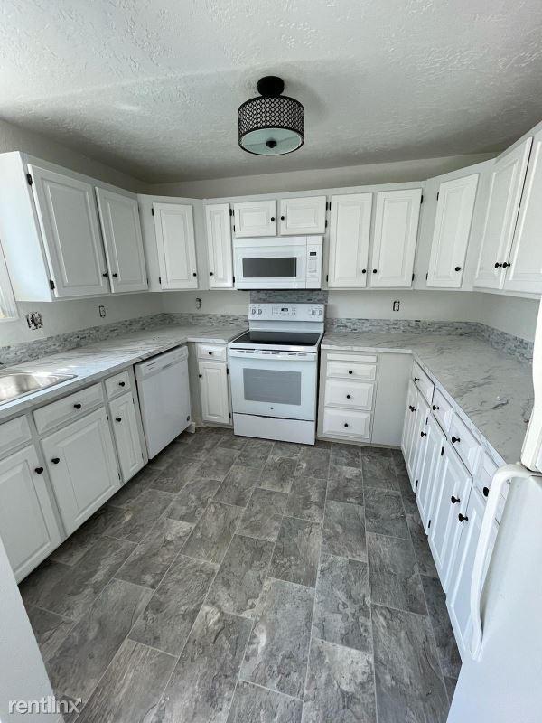 10127 W Eshelman Street, Boise, ID - 1,800 USD/ month
