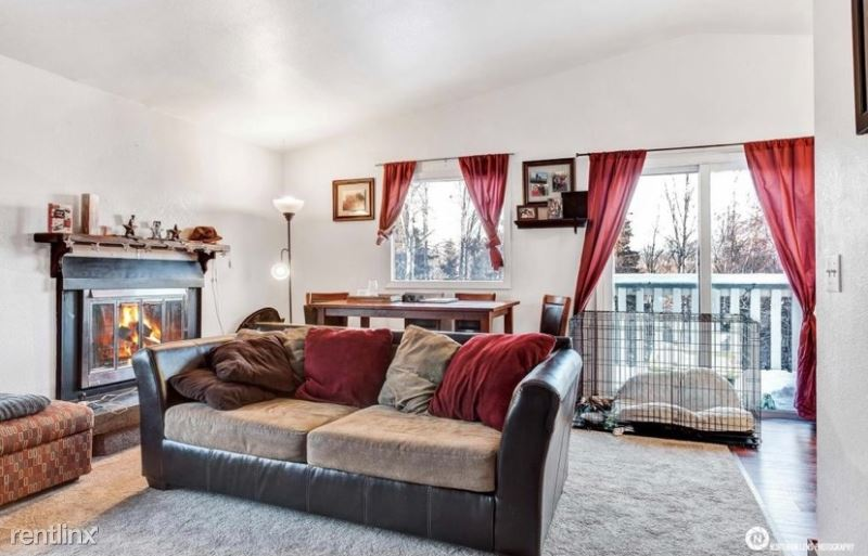 321 melody place unit f F - 1350USD / month