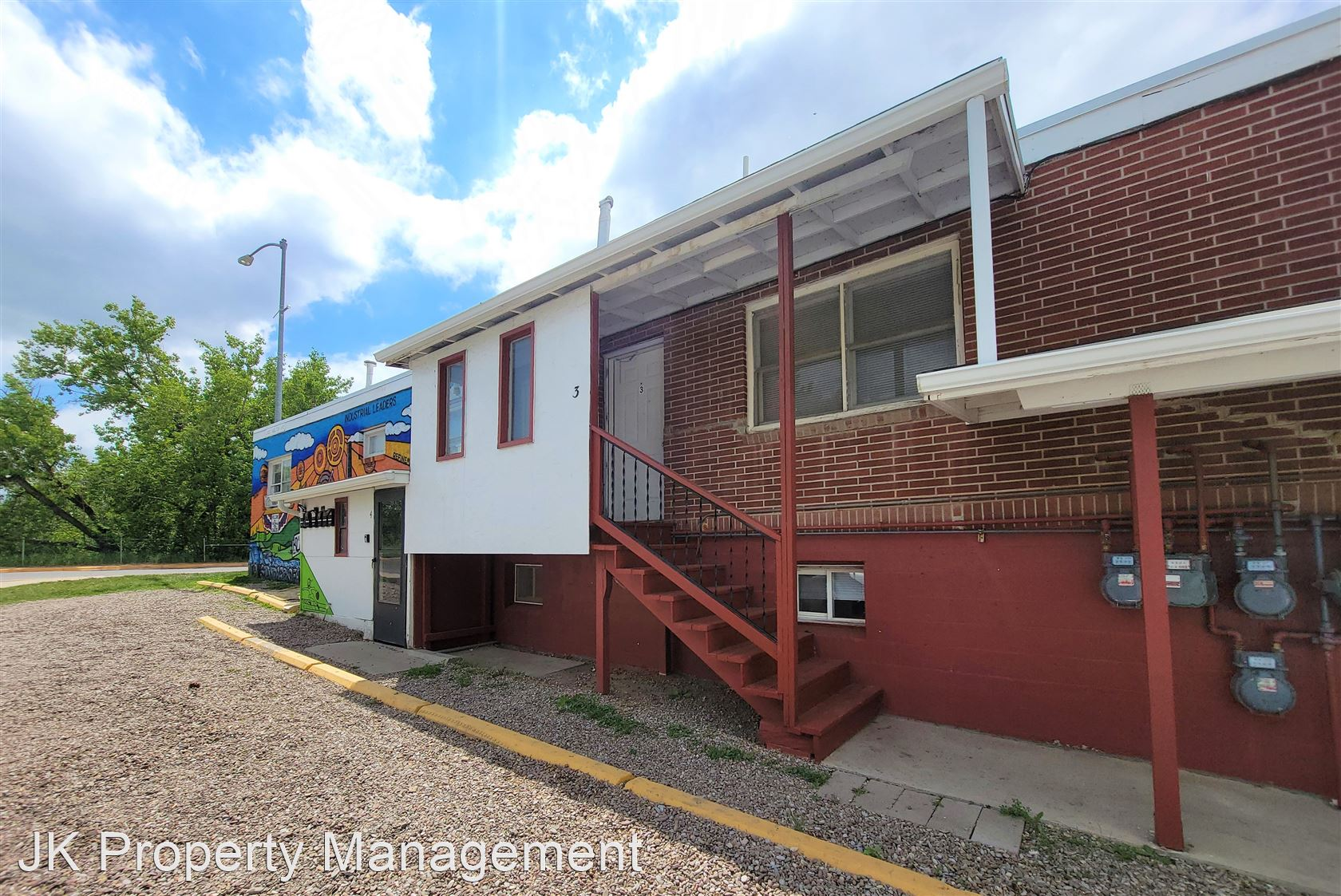 2027 Smelter Ave NE, Black Eagle, MT - 825 USD/ month