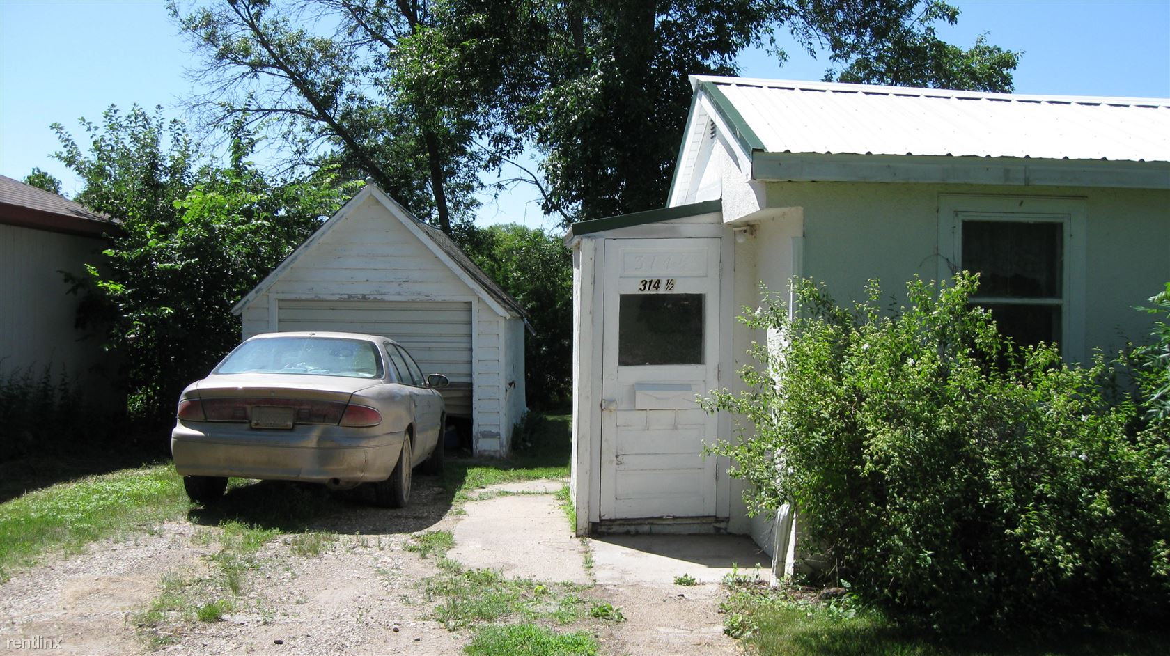 314 1/2 4th Ave SW, Jamestown, ND - 500 USD/ month