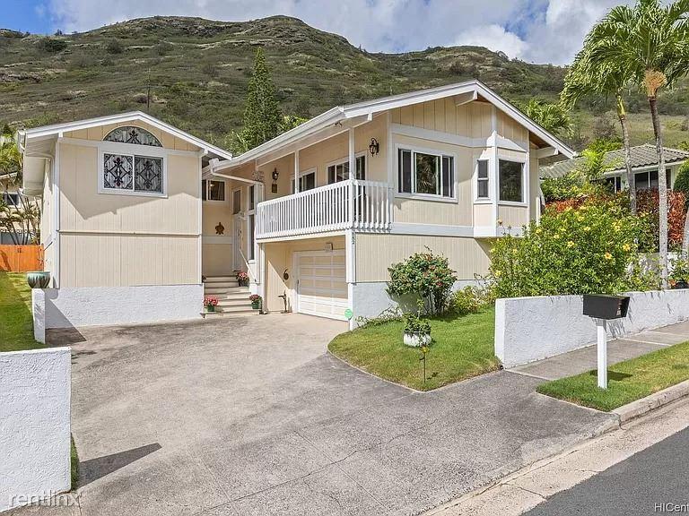 882 Kahena St, Honolulu, HI - 2,000 USD/ month
