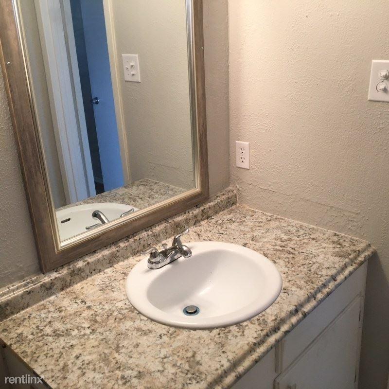 1011 Ennis Joslin Rd, Corpus Christi, TX - 1,100 USD/ month