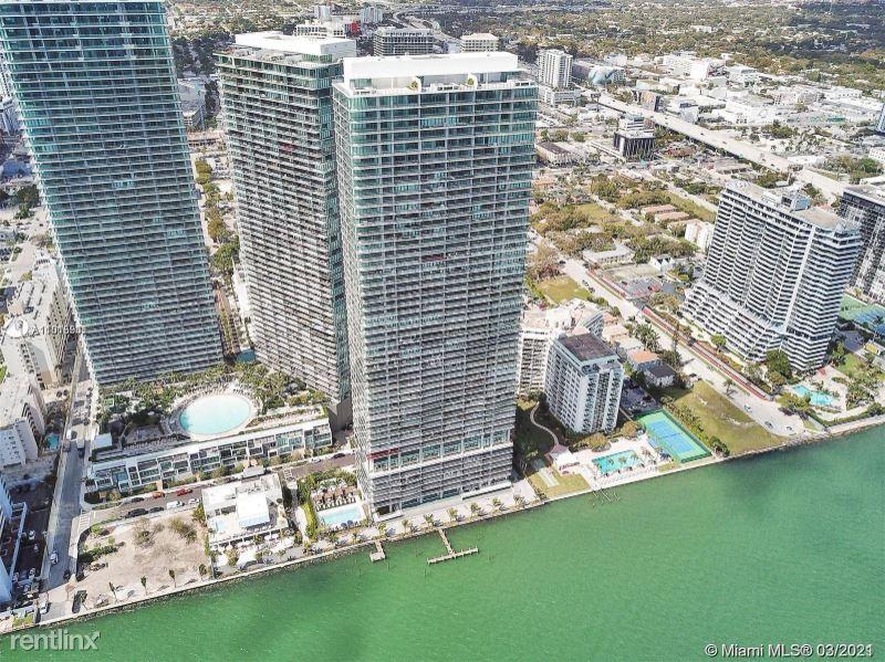 3131 NE 7th Ave, Miami, FL - 5,200 USD/ month