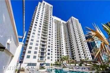 999 SW 1st Ave, Miami FL, Miami, FL - 4,200 USD/ month