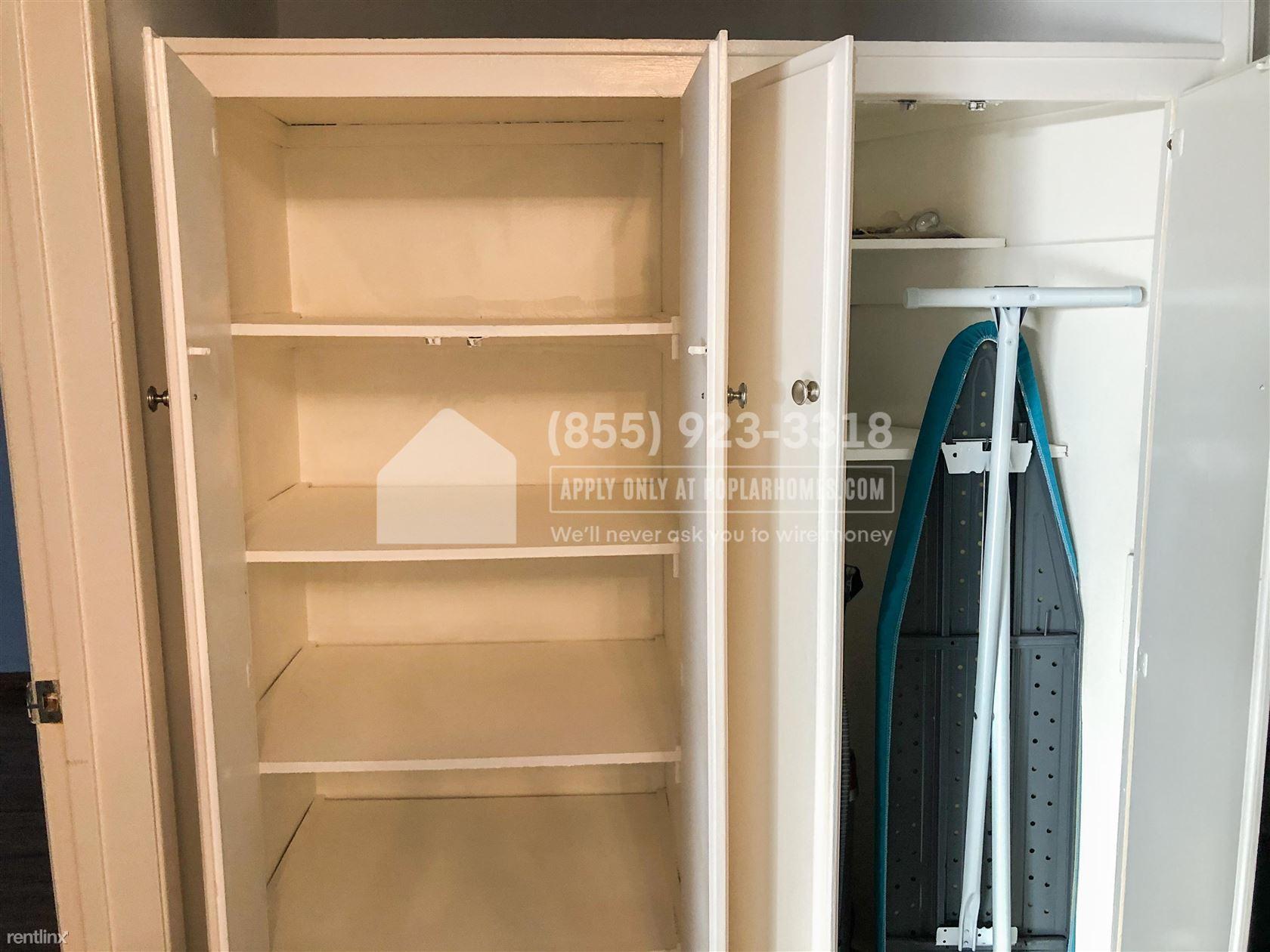 10445 Eastborne Avenue Unit 105, Los Angeles, CA - 2,750 USD/ month