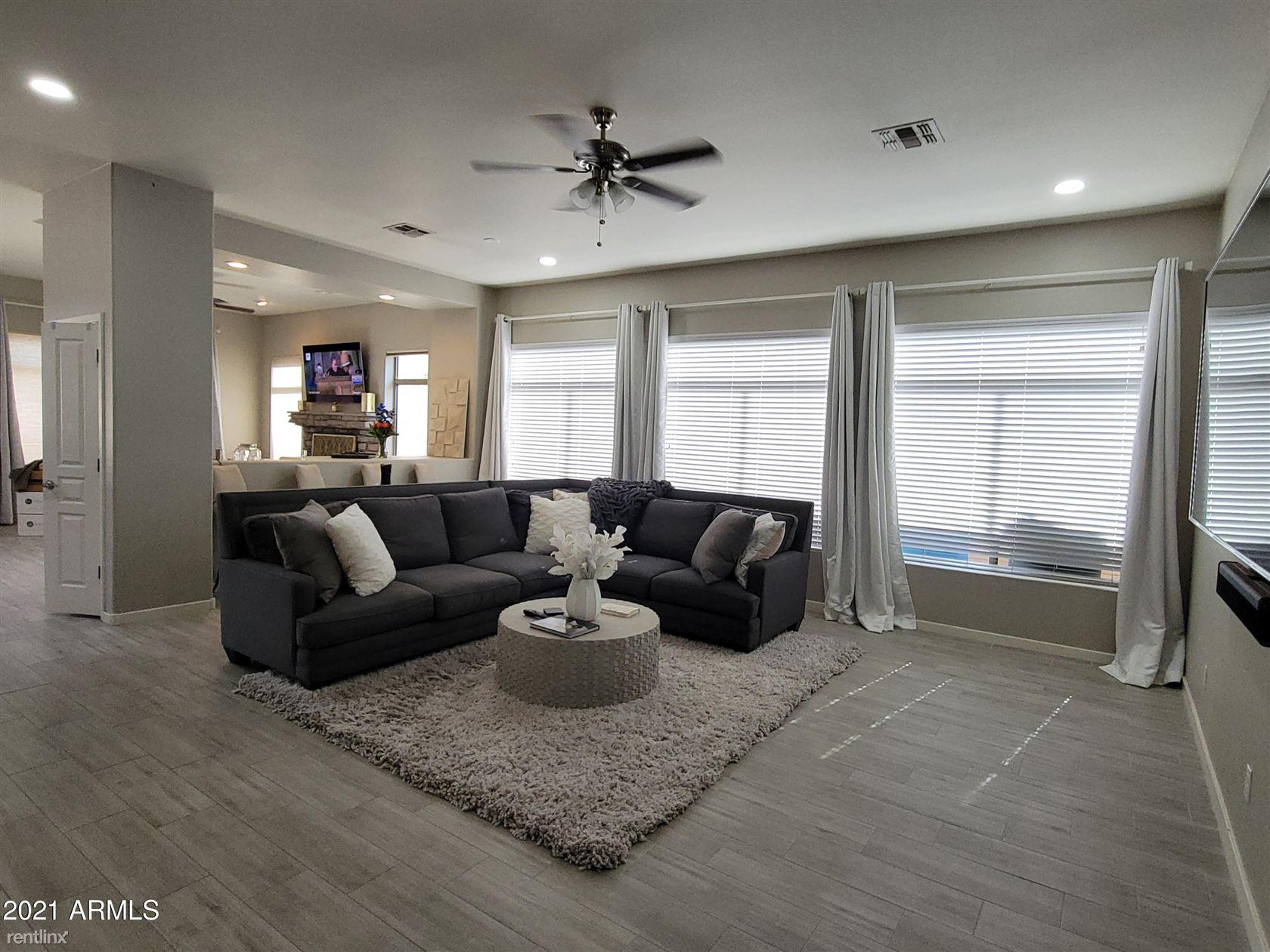 3907 E Carson Road, Phoenix, AZ - 3,025 USD/ month