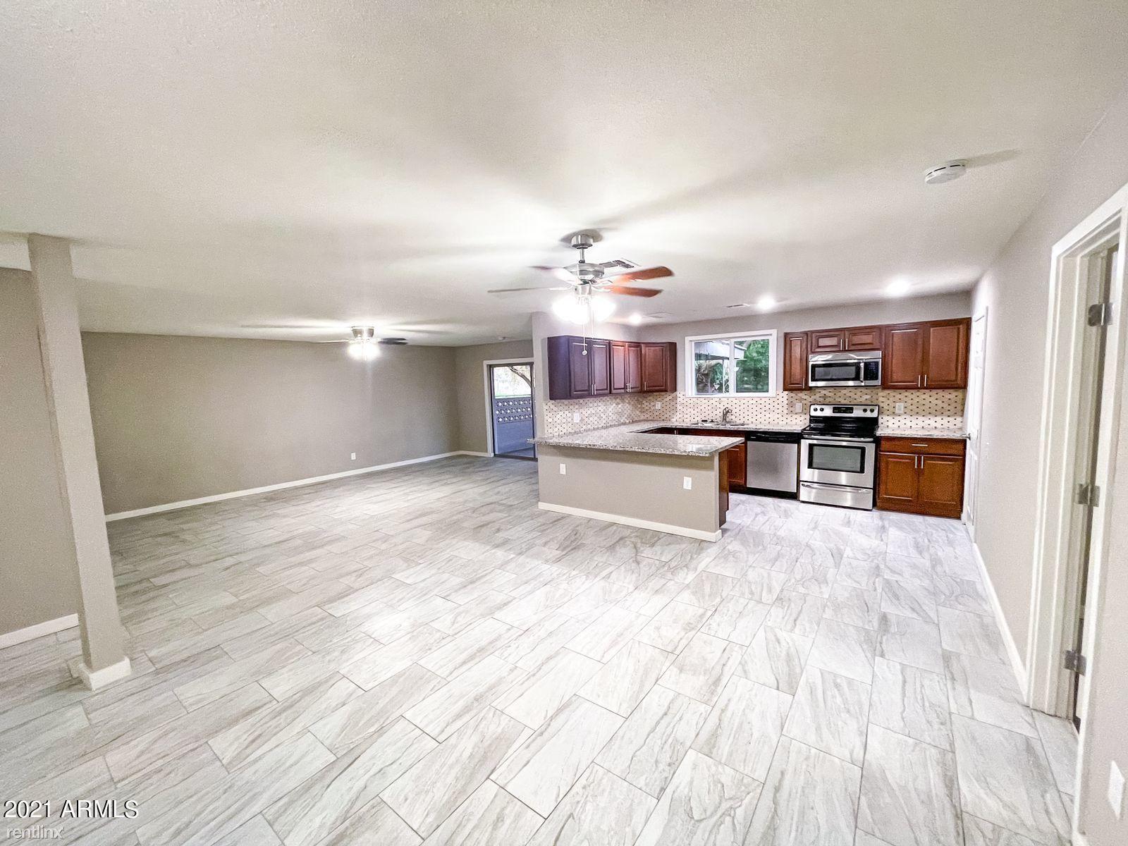 2901 N 55TH Avenue, Phoenix, AZ - 2,245 USD/ month