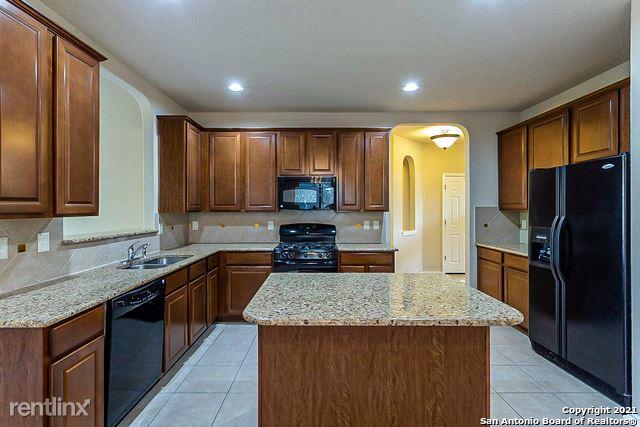 6207 Palmetto Way, San Antonio, TX - 2,570 USD/ month