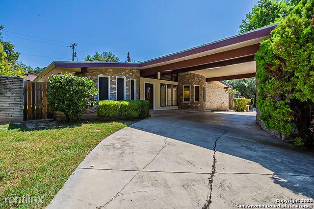 100 Bluet Ln, San Antonio, TX - 3,000 USD/ month