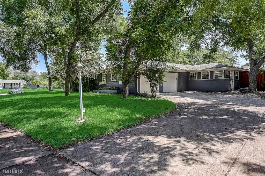 3470 Timberview Road, Dallas, TX - 3,400 USD/ month