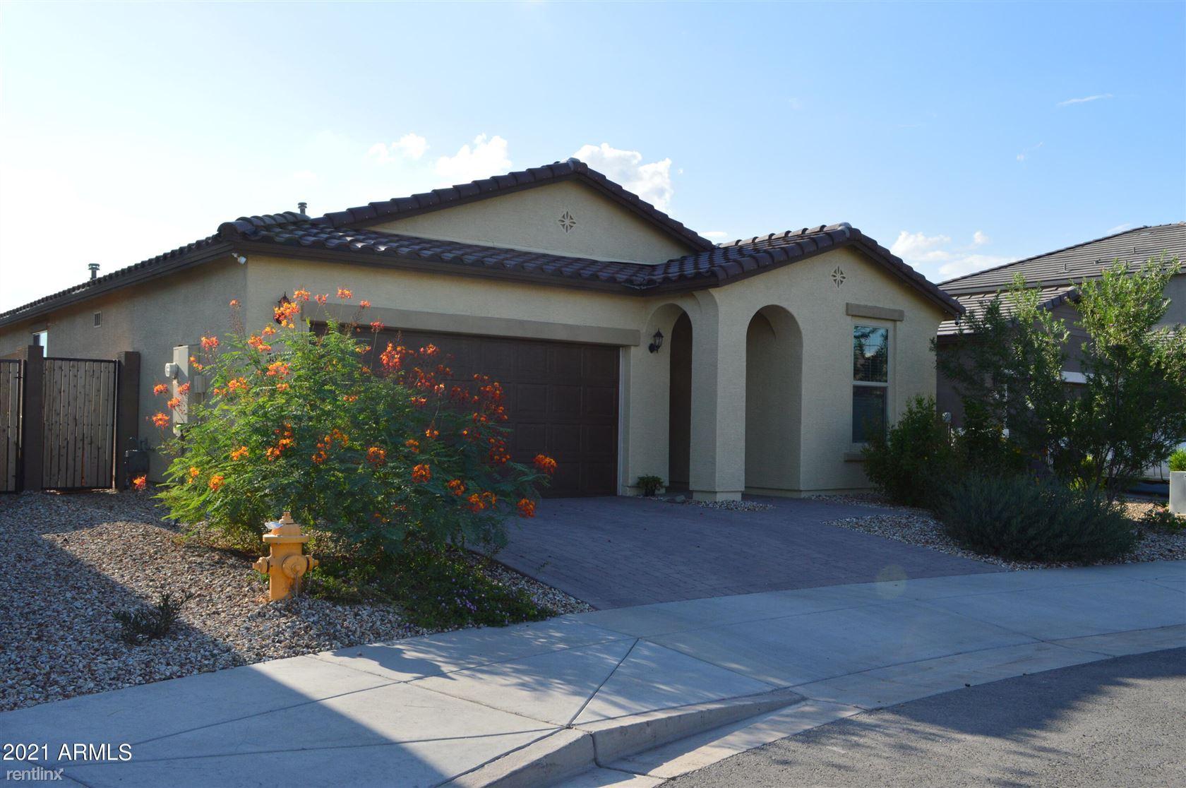 3516 S 77TH Avenue, Phoenix, AZ - 2,810 USD/ month