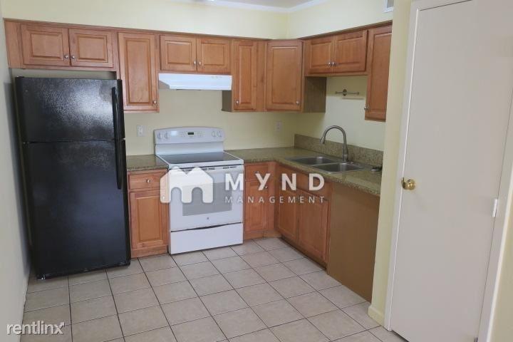 2708 E Tierra Buena Ln Apt 4, Phoenix, AZ - 975 USD/ month