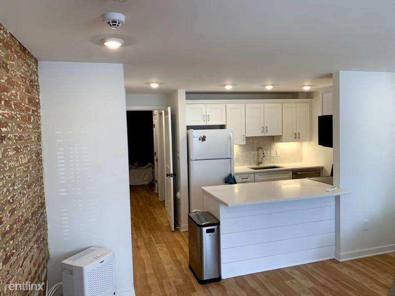 660 E St NE, Washington, DC - 1,800 USD/ month